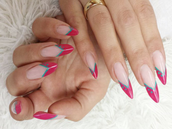 Topmodische Edge-Nails in pink und türkis