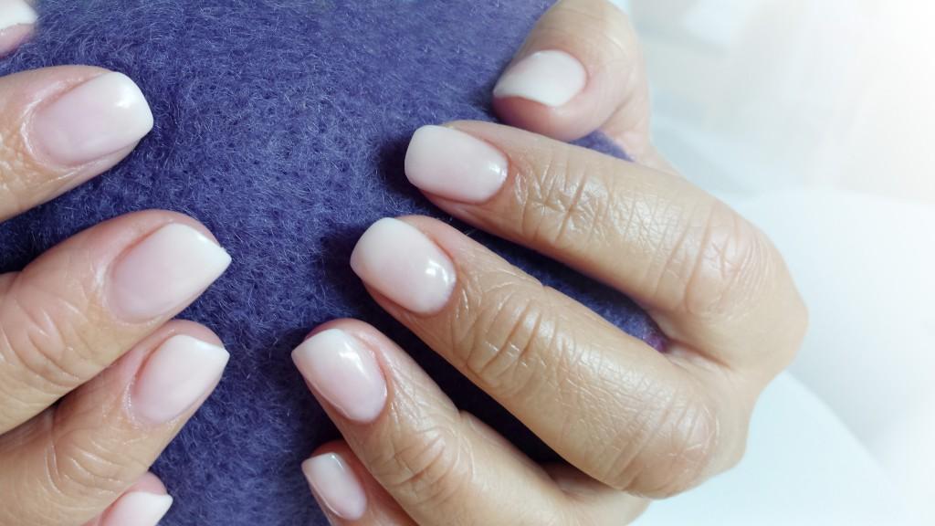 Baby-Boomer Nails