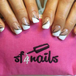 sf4nails: Die bestickte Nagel-Kosmetik-Tasche