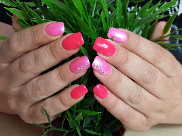 Rot und Pink mit Strasssteinen