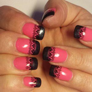 Erdbeermund mit schwarzer Spitze