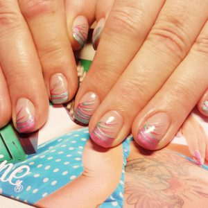 Retro-Nails mit filigrane Optik