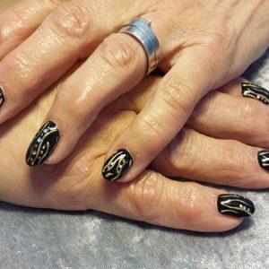 Schwarz Gold Strass: Erinnerung an Hundertwasser